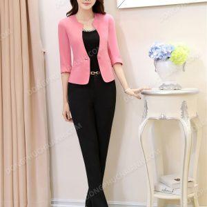 Mẫu đồng phục áo vest nữ công sở màu hồng nhạt