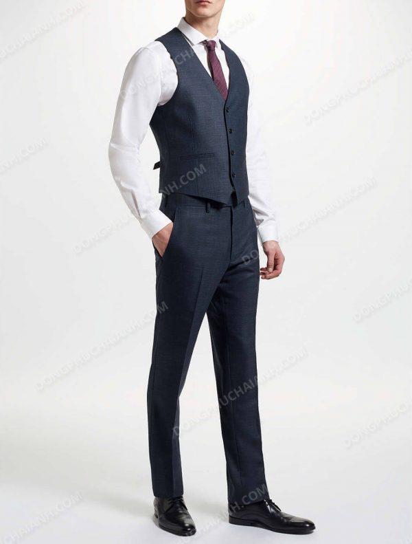 Bắt mắt và lịch lãm là yếu tố hàng đầu mà những bộ áo gile nam công sở thể hiện.