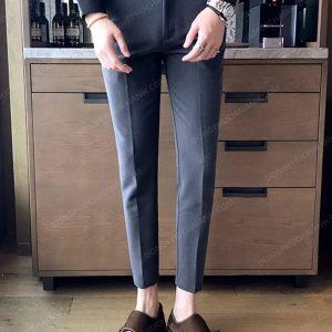Tùy thuộc vào vóc dáng ,thể hình mà có thể lựa chọn những kiểu dáng, thiết kế quần âu nam công sở phù hợp với bản thân nhất.