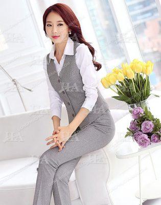 Kiểu áo gile công sở cho nữ kết hợp với sơ mi trắng